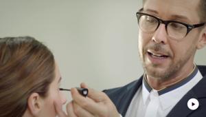 Dr. Hauschka Tutoriel: Cils avec effet ren-ver-sants